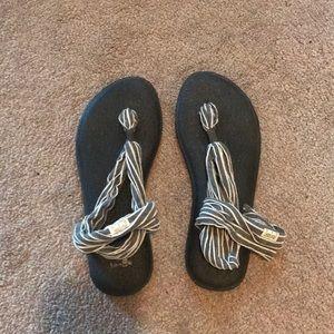 Never worn! Sanuk yoga sandals